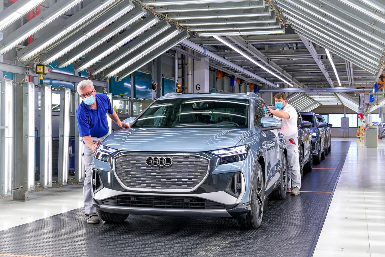 De productielijn van de nieuwe elektrische Audi Q4 e-Tron in Duitsland.