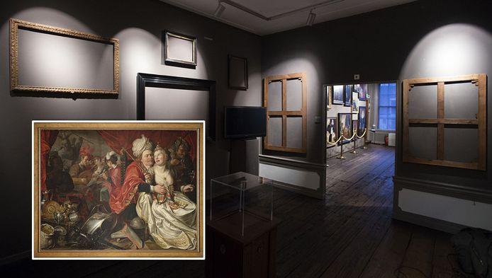 Het Westfries Museum na de kunstroof. Inzetje: 'Vrouw Wereld', van Jacob Waben, uit 1622. Het is waarschijnlijk een van de in Oekraïne teruggevonden doeken.