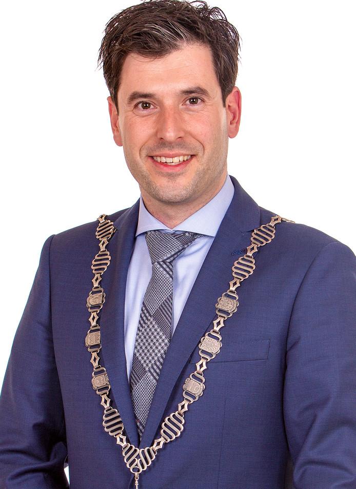 De burgemeester van Alphen-Chaam Joeri Minses