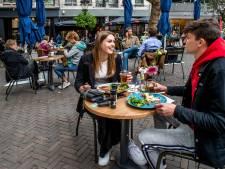 Alsof je in Italië of Zuid-Frankrijk bent: deze tijdelijke (corona)terrassen in Utrecht moeten blijven