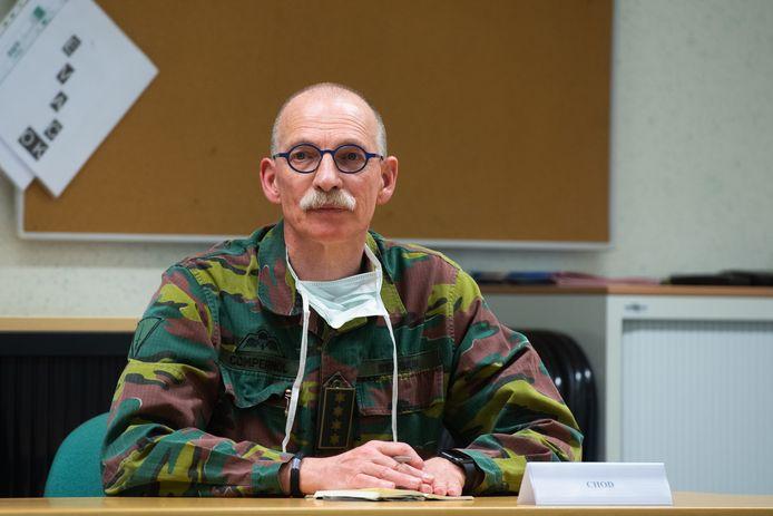 Generaal Marc Compernol, de Stafchef van Defensie, bezocht vorige week het militair hospitaal in Neder-Over-Heembeek.
