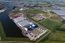 Bedrijventerrein Axelse Vlakte met middenin de vestiging van Sagro-dochteronderneming Innovarec waar één van de twee geplande windturbines zou moeten komen.