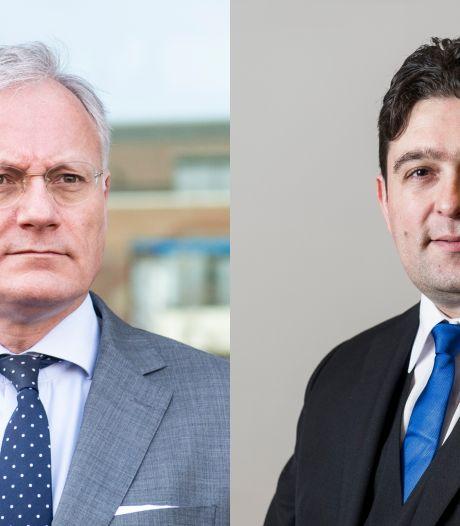 Almeloos raadslid Çete spuwt in raadzaal; boze burgemeester Gerritsen pikt dat niet; 'Daar is de deur'