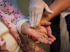 Inspectie en tuchtcollege: Verpleeghuis in Delfzijl mocht 80-jarige vrouw laten verhongeren