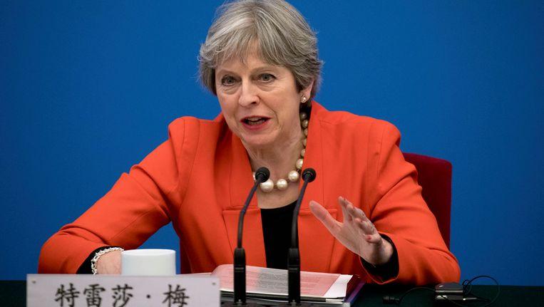 De Britse premier Theresa May in China, 31 januari. Ook in Peking werd zij door Brexitperikelen achtervolgd. Beeld null