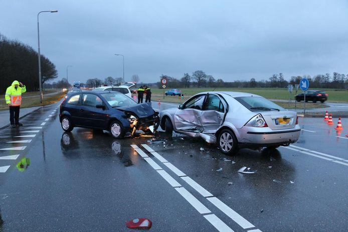 Het ongeval in Ommen. Foto: GinoPress