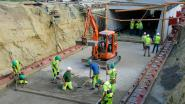 600 ton zware fietstunnel na technisch huzarenstukje onder Tiensesteenweg geschoven... met zeven meter per uur
