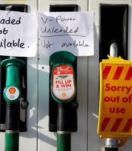 La pénurie de carburant contraint le Royaume-Uni à assouplir ses règles d'immigration