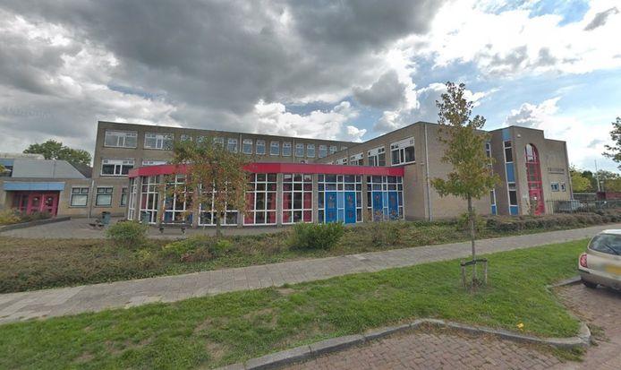 Het gebouw van het Ostrea Lyceum aan de Bergweg in Goes.