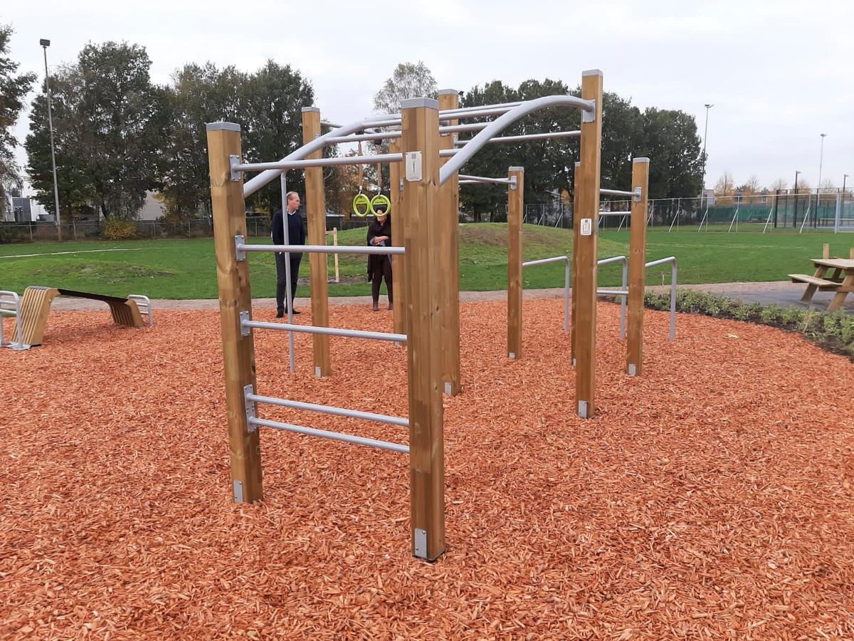 De toestellen op Ontmoetingspark De Greune voordat ze werden vernield door jongeren.