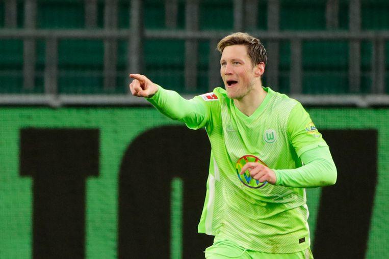 Wout Weghorst viert zijn doelpunt in de wedstrijd VfL Wolfsburg-Schalke 04 (5-0). Beeld AFP