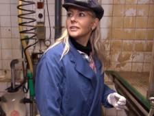 'Chantal Janzen ondergepoept in Losser', zegt RTL. Klopt dat wel?