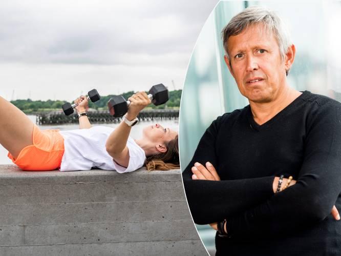 """Borsten verstevigen? Lieven Maesschalck deelt de beste work-out: """"Door minstens twee keer per week oefeningen te doen, kan je ze mooier maken"""""""