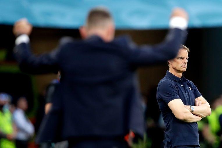 Bondscoach Frank de Boer zondag in Boedapest tijdens het verloren duel tegen Tsjechië. Beeld Getty Images