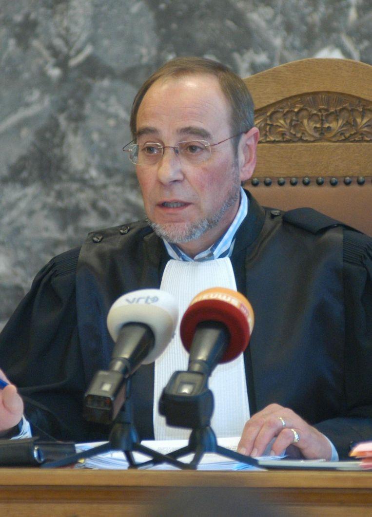 Politierechter Gilbert Callens aan het werk in de rechtbank van Oudenaarde.