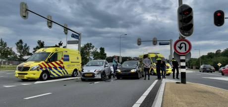 Twee lichtgewonden bij nieuwe aanrijding op Provinciale Rondweg in Oldenzaal