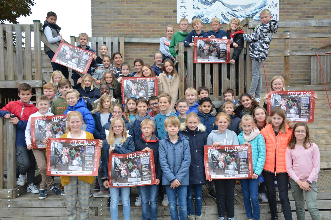 49 leerlingen van het vijfde en zesde leerjaar zullen op een heuse 'showtrein' te zien zijn in de stoet.