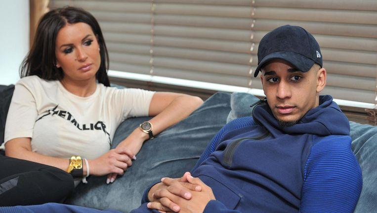 Yassine El Ghanassy met zijn verloofde Sabrina.