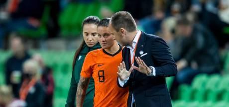Oranjevrouwen nu al in de achtervolging: 'Maar we hebben alle vertrouwen in komende wedstrijden'