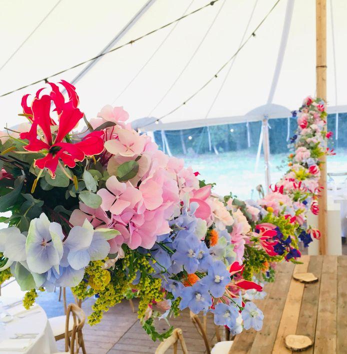 Lieselot en Anke zijn de beste huwelijksfloristen van het land met hun project met veldbloemen.