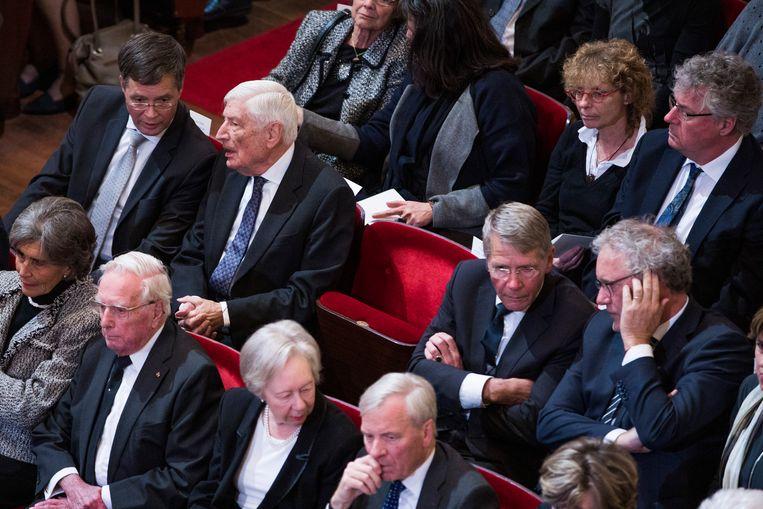 Aanwezigen bij de herdenking van Wim Kok, met op de middelste rij oud-premiers Balkenende en Van Agt en oud-ministers Donner en De Graaf. Beeld Freek van den Bergh