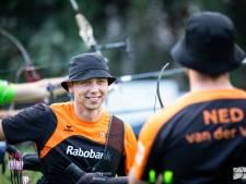 Windvlaag neemt een loopje met pijl Van den Berg op openingsdag EK handboogschieten