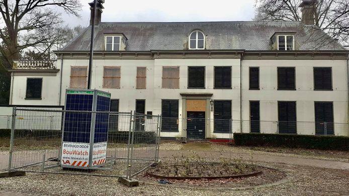 Bij Huize Randenbroek in Amersfoort staat nu een mobiele camera en de bouwcontainer is weggehaald.