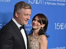 """L'épouse d'Alec Baldwin sort du silence après le tir mortel sur le tournage de """"Rust"""""""