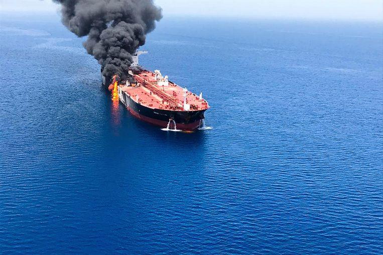 De Front Altair, één van de twee aangevallen tankers. Vorige maand werden in de regio al eens vier schepen belaagd (zie kaartje). De VS wijzen Iran met de vinger.