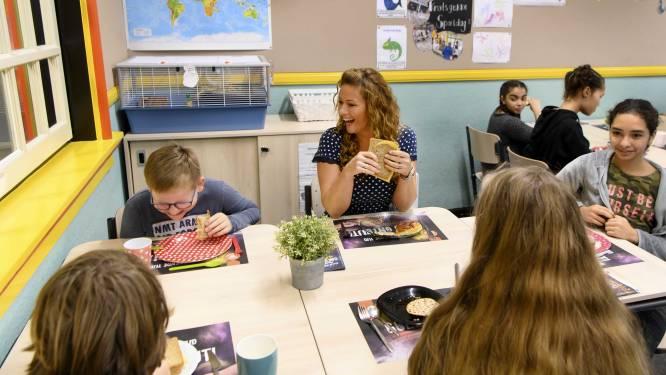 """Schoolmaaltijden worden duurzamer: """"Vol-au-vent zal bijvoorbeeld voor de helft uit kip bestaan en voor de andere helft uit een vleesvervanger zoals tofoe"""""""
