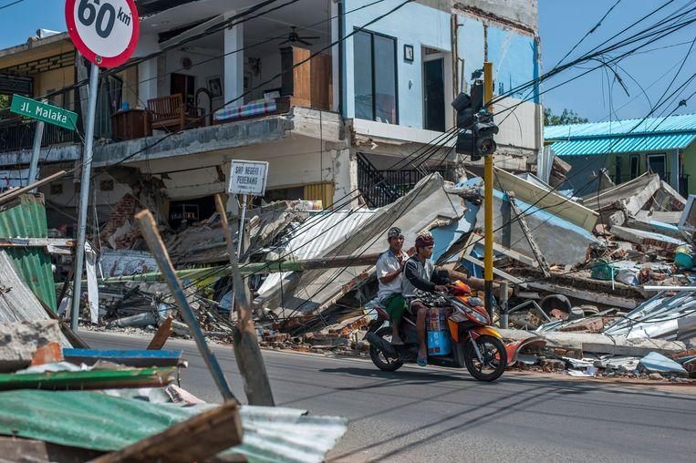 Vernielde gebouwen op Lombok. Nu is het eiland opnieuw getroffen door een aardbeving.