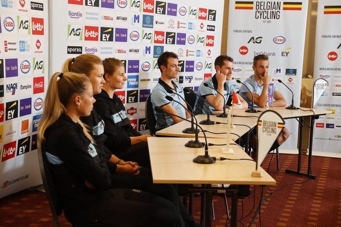 Shari Bossuyt, Jolien D'hoore, Lotte Kopecky, Yves Lampaert, Ben Hermans en Victor Campenaerts.