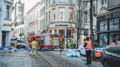 VIDEO: Veldstraat tijdlang volledig afgesloten door gaslek in Gents stadscentrum, perimeter intussen opgeheven