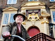 Kunstenaar Dirk Gentenaar voorziet monumentale huizen van de mooiste details
