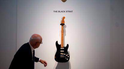 Iconische gitaar van Pink Floyd-gitarist voor bijna vier miljoen dollar geveild