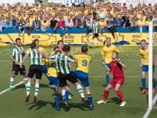 KNVB botst met amateurclubs die nieuwe spelers willen opstellen in Regio Cup