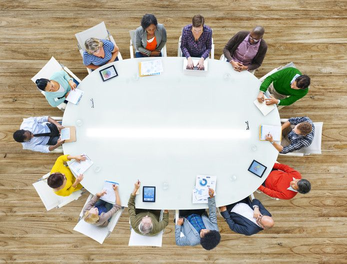 Met het 'opscholen' van het zittend personeel kunnen bedrijven werknemers laten kennismaken met functies waarin tekorten zijn.