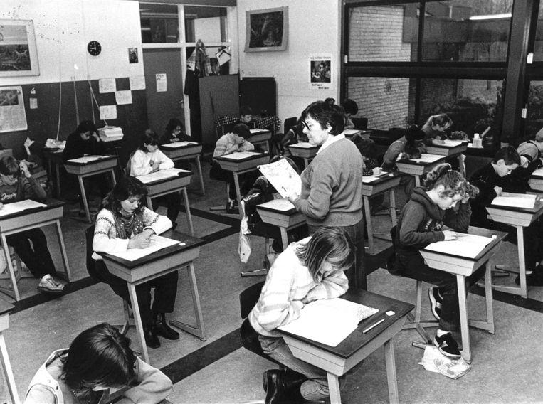 Afname van de Cito-toets in 1984, toen het centraal schriftelijk examen nog maar net was ingevoerd. Beeld Hollandse Hoogte /  ANP