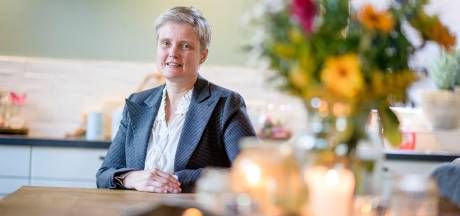 Wilma uit Fleringen verzorgt afscheid vanuit het hart: 'Waarom geen condoleance in de voetbalkantine?'