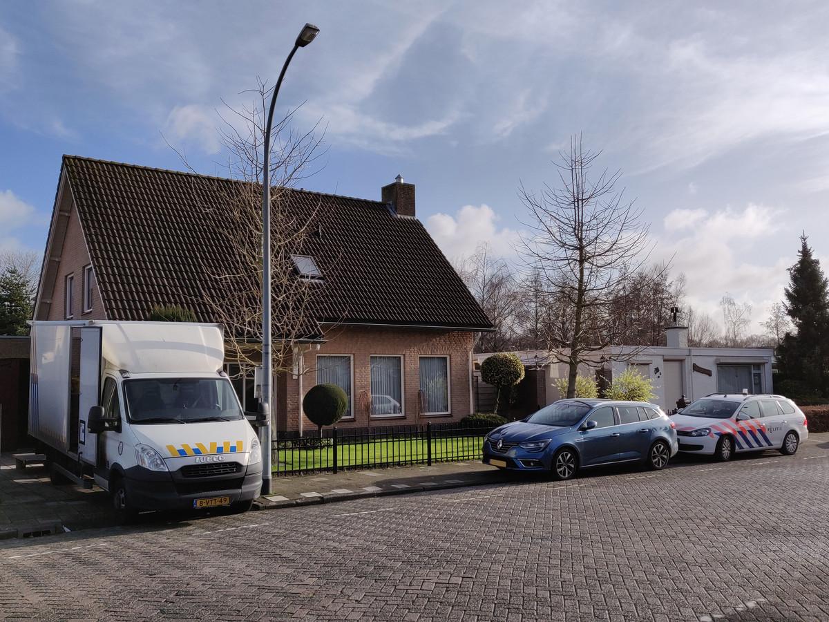 Hennepplanten hennep Henneptoppen in ouderlijke woning Yuri van Gelder Waalwijk.