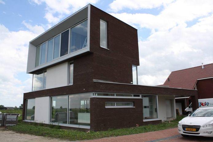 De eerste energieléverende woning van Zwartewaterland.