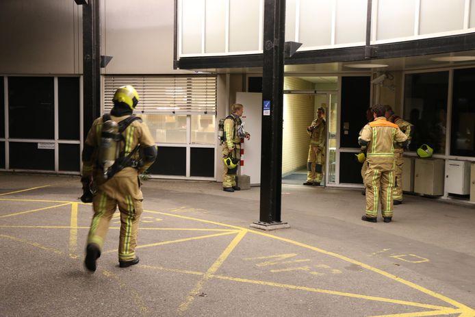 Het duurde even voordat duidelijk was waar de brandlucht vandaan kwam.