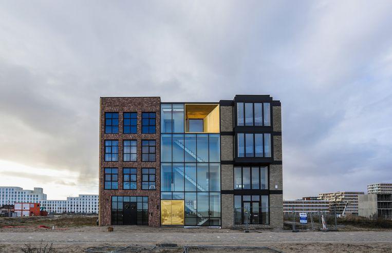 De eerste huizen zijn inmiddels verrezen op de zelfbouwkavels op het Centrumeiland. Beeld Eva Plevier