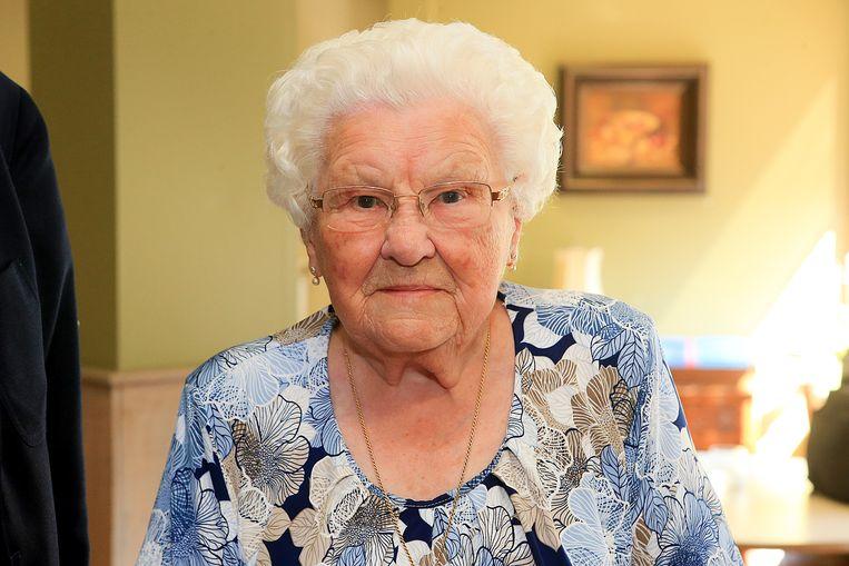 Julia Van Hool (hier op een archiefbeeld van een jaar geleden) viert vandaag haar 110de verjaardag.