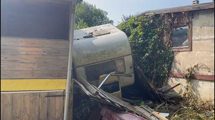 Des corps ont été retrouvé dans ce camping détruit par les inondations..