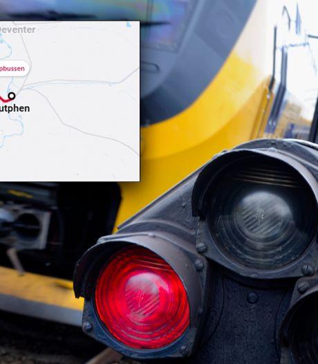 Seinstoring legt treinverkeer tussen Apeldoorn en Zutphen lam, 'ben ik wel op tijd voor de avondklok?'