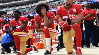 Zijn ziel verkocht, of de morele winnaar? NFL betaalt knielende Kaepernick 60 tot 80 miljoen dollar om te zwijgen