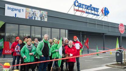 Personeel Carrefour staakt tegen ontslagen