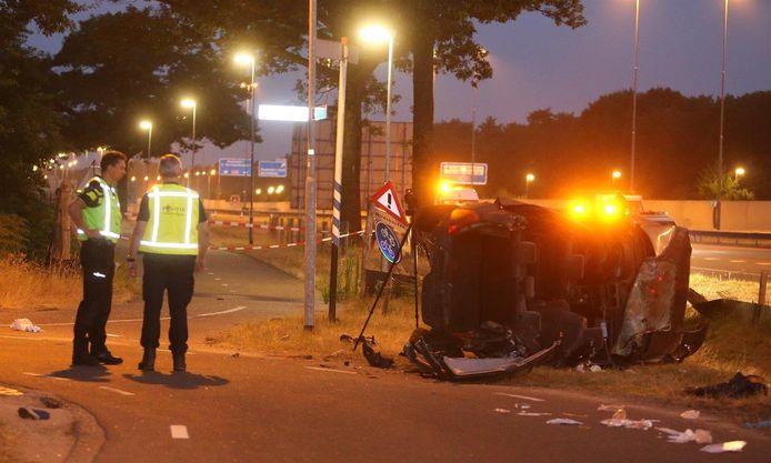 Dode en vier gewonden bij ongeluk op A59.