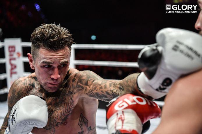 Nieky Holzken vocht in december 2017 voor het laatst bij Glory, tegen Alim Nabiyev.